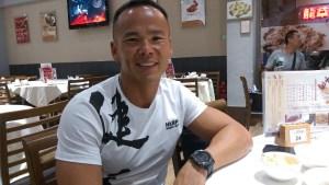 訪問當日,劉 Sir 身上「玲瓏浮凸」的肌肉「平伏」了,晚飯吃的都是「正常人」吃的餸菜。