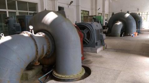 如果喜歡看機器,務必走進各大小水力發電站看看。