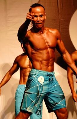 劉 Sir 不像古典組般要練出倒三角身形:「我參加模特組,需要穿沙灘褲展現肌肉線條和美態,評分時會集中上半身肌肉。」