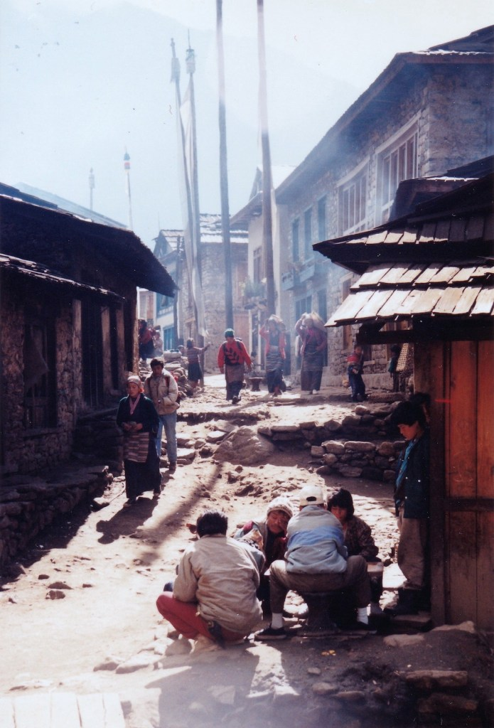 這短短的街,20 年前是這模樣。