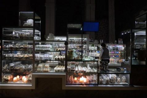 遊客路線最後一站當然是 gift shop,出售在「非遊客路線」上任採任掘的岩鹽。