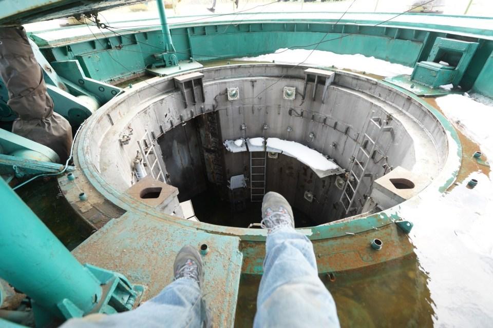 我可以走進去的洲際導彈的發射井。