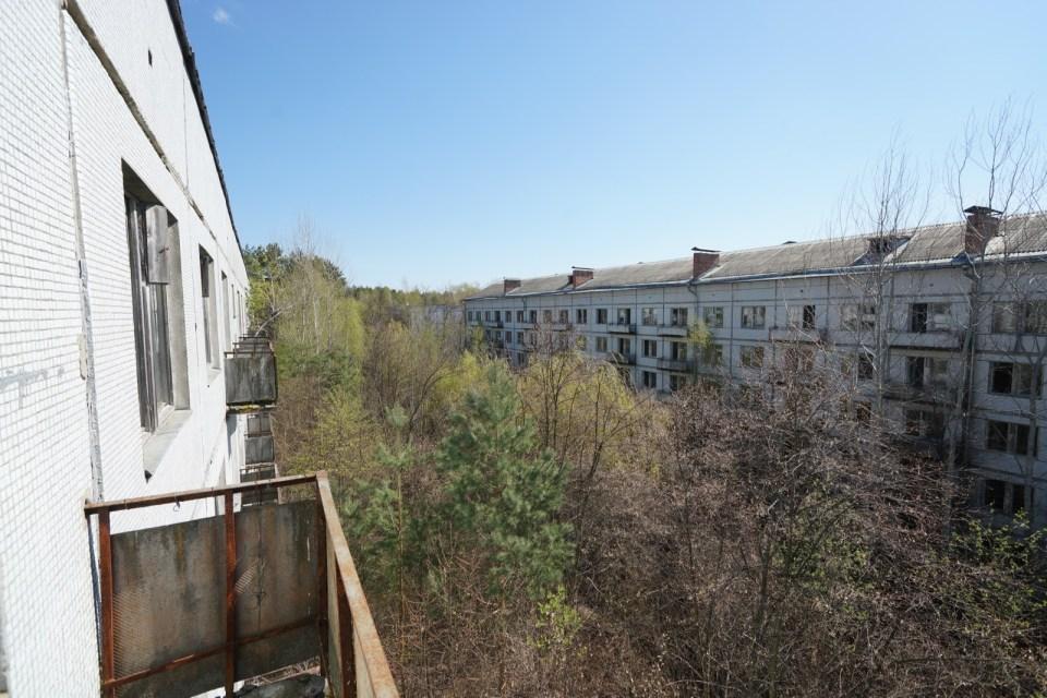宿舍三樓露台。