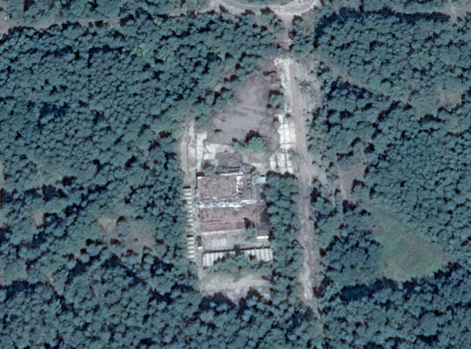 2013 年照片(Google Earth Pro)。
