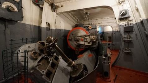 炮台內部。
