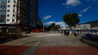 箇舊站變成了金湖廣場。