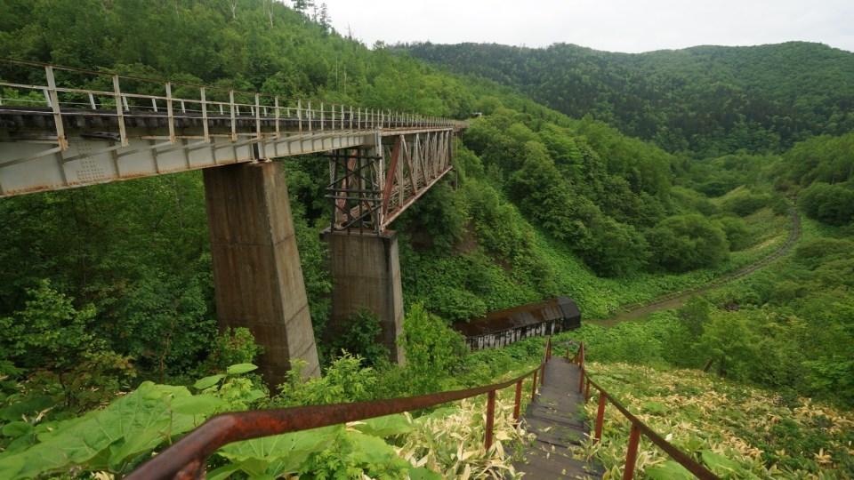 Devil's Bridge 下的第一條隧道。
