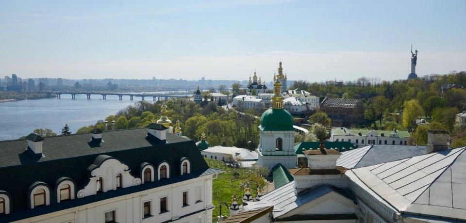 綠頂是東正教教堂 All-Saints Church。