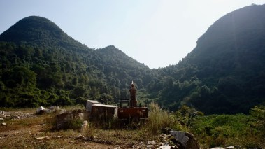 元江洞位於雲石礦場內。