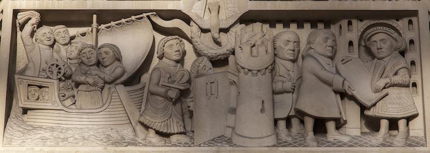 © EPFL, Tympanum sculpted by J. Prangnelli 1950 and representing the departure of the French Huguenots, their arrival in England and the granting of the Royal Charter by Edward VI