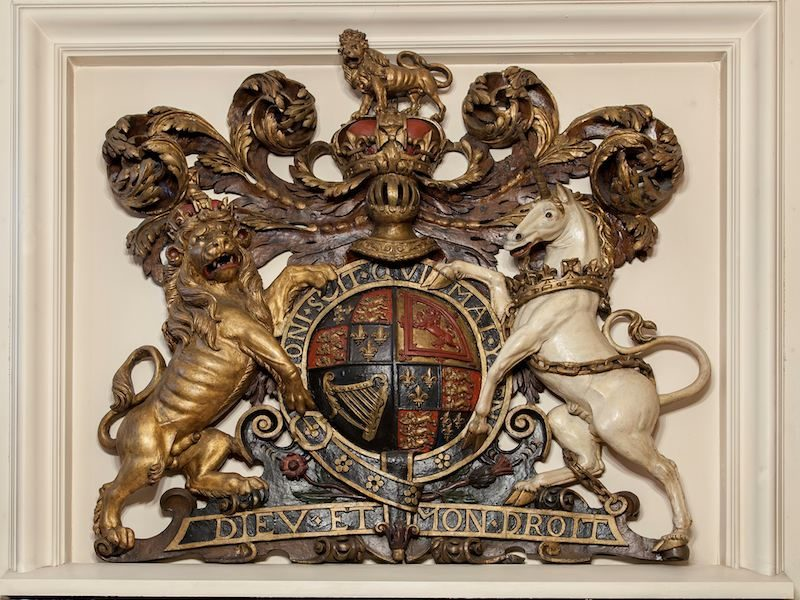 © FCPL, Royal Coat of Arms, 17th century, library of the French Protestant Church of London