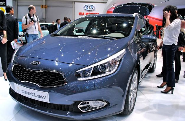 2012 Geneva: 2013 Kia cee'd grows up, becomes more sophisticated and efficient