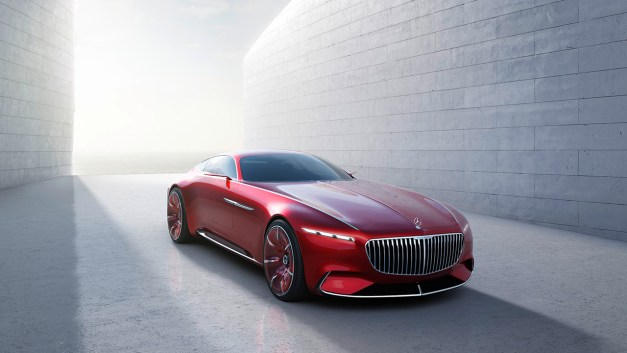 2016 Monterey: The Vision Mercedes-Maybach 6 gets revealed, a large and lavish coupe concept