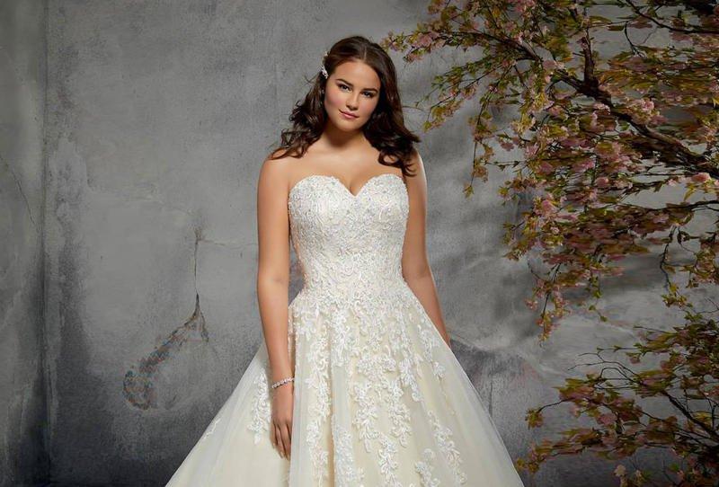 أجمل فساتين زفاف 2019 للعروس الممتلئة