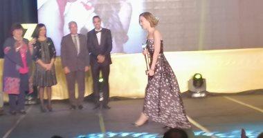 منة شلبى بعد تكريمها بمهرجان أسوان: السينما حياة وسحر