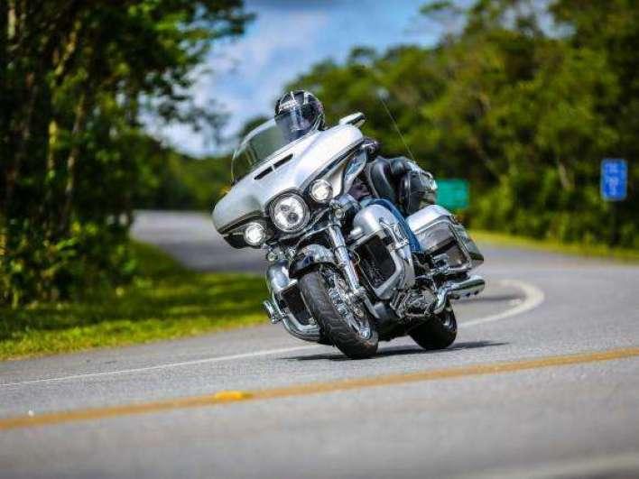 Harley_Davidson-CVO-LIMITED-3 Title category