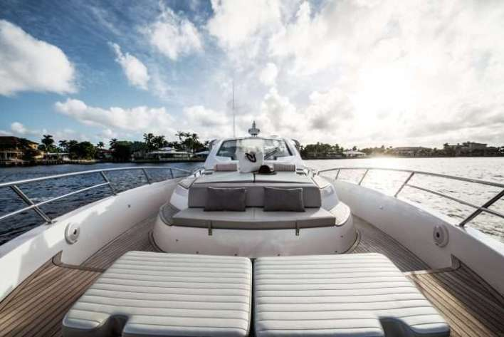 Azimut-Yachts-VERVE-40-Front-View-e1513909006111 Title category