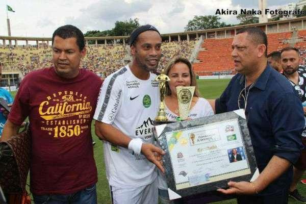 Billy-Jackson-Ronaldinho-Gaúcho-Viviane-Alves-e-Gil-Santos.-Im.003.-600x400 Title category