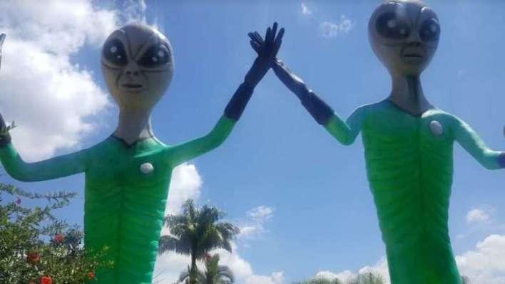 Decoração-Extraterrestre-Área-do-Disco-Voador-Im.001-e1522429196957 Title category