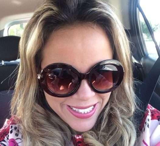 Viviane-Alves-com-óculos-Vivi-Xic-Xic-Im.007-e1523418213918 Title category