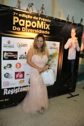 Viviane-Alves-Im.001-1-e1530488319146 Title category