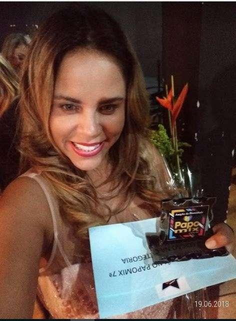Viviane-Alves-Im.001 Title category