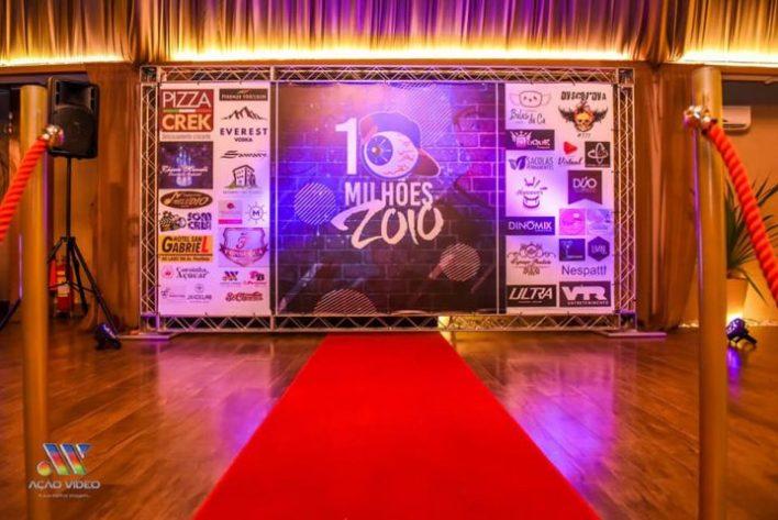 Backdrop-Festa-10-Milhões-de-Seguidores-Zoio-Im.001-e1539216406205 Title category