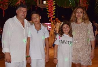 mini-40-Paulo-Quinteiro-Pedro-Ana-e-Ana-Jesus-familia-portuguesa-340x235 Title category