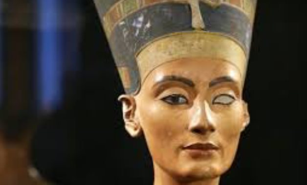 Nefertiti was a powerful queen who helped akhenaten transform the egyptian religious landscape. Did Nefertiti S Tomb Disappear Because Of Her Separation From Akhenaten Or A Sinister Plot For The Throne Egypttoday