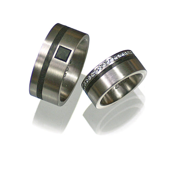 Goldschmiede mojo design  Eheringe Edelstahl Carbon Diamanten 1006258