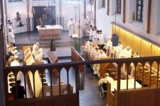 Blick ins Innere der Klosterkirche, die vor 500 Jahren geweiht wurde. Bild: Michael Thalken/Eifeler Presse Agentur/epa