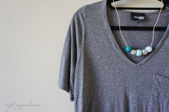 Anthopologie Inspired Wood Bead Necklace >> DIY Tutorial by Eight Pepperberries