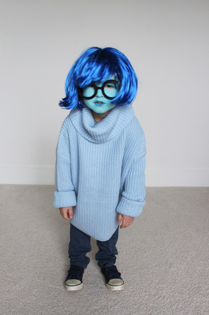 5 Last Minute Halloween Costumes: Inside Out's Sadness >> Eight Pepperberries