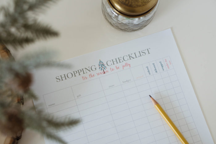 Printable Holiday Shopping Checklist    Stay organized this holiday season with this FREE printable shopping checklist >> Eight Pepperberries