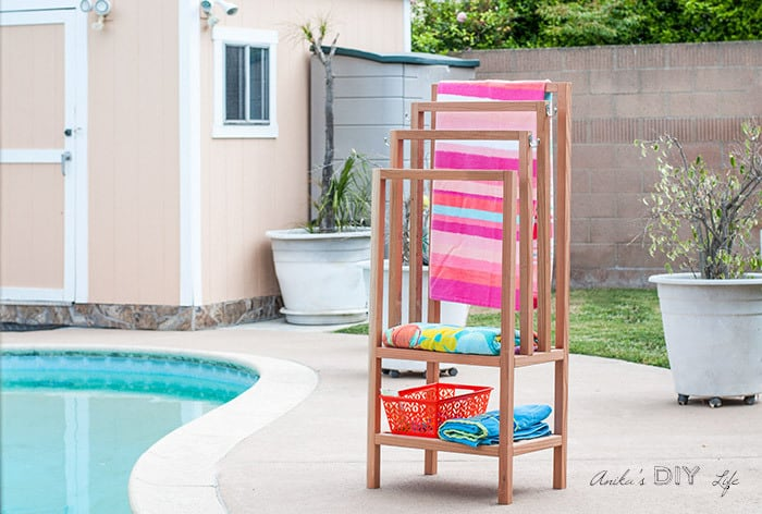 DIY Outdoor Towel Rack With Shelves by Anikas DIY Life featured at the Totally Terrific Tuesday Link Party hosted by Eight Pepperberries