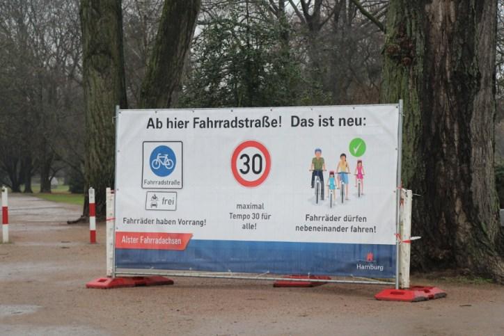 Fahrradstraße: Stadt reagiert auf Kritik