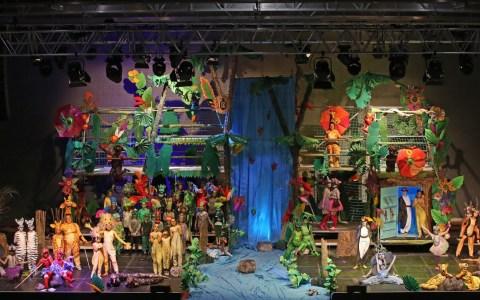 Das komplette Bühnenbild in der Siegerlandhalle