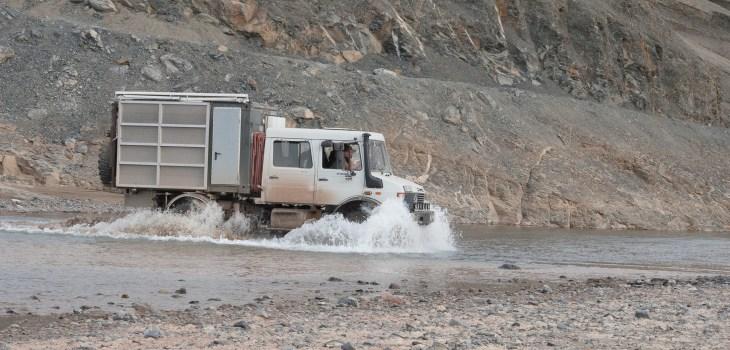 Flussdurchfahrt in Marokko