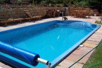 Swimmingpools und Schwimmbecken