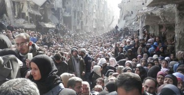 EI entra em Damasco e se apodera de acampamento palestino