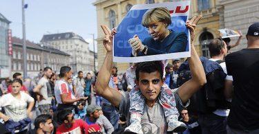 Alemanha tenta pagar para refugiados muçulmanos saírem do país