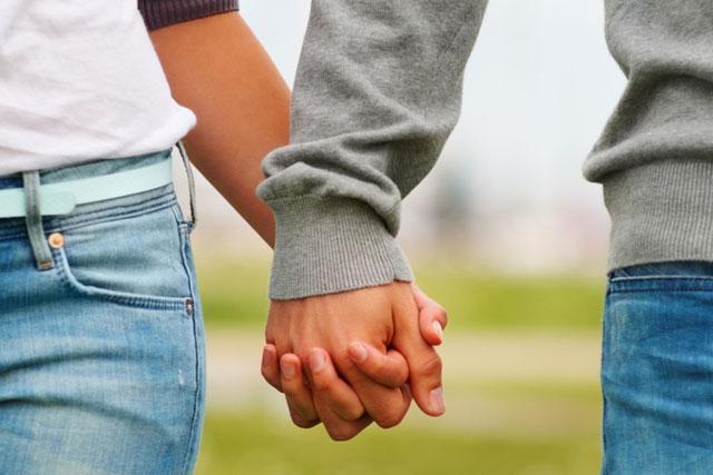 Igreja no Recife proíbe adolescentes de namorar