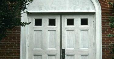 """Igrejas """"falham"""" no testemunho por que estão sempre fechadas, indica estudo"""
