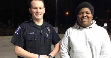 """Adolescente oferece oração e emociona policial: """"Queria compartilhar Jesus com ele"""""""