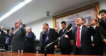 PSOL tenta legalizar aborto no Brasil; Bancada Evangélica se cala