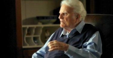 """""""Jesus não morreu como mártir, mas como salvador"""", diz Billy Graham"""