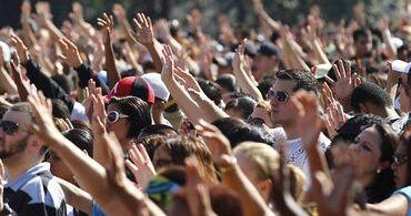 """Eleições 2018: """"Evangélicos saem na frente, têm presença na mídia"""", diz pesquisadora"""
