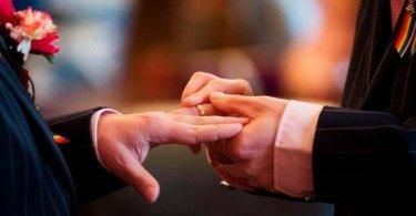 Comissão do Senado aprova união entre homossexuais