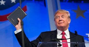 """Trump: """"Não adoramos ao governo, adoramos a Deus"""""""