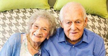 """Com 80 anos de casados, idosos contam 'segredo' para boa relação: """"Deus em primeiro lugar"""""""